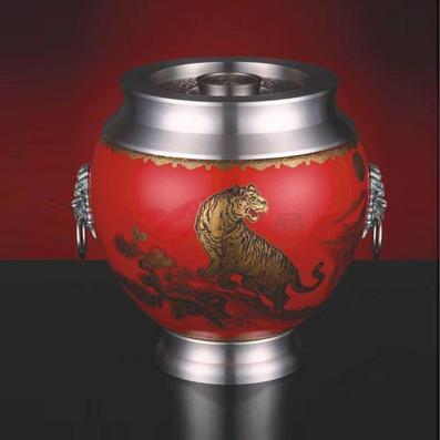 《虎嘯山河》陶瓷罐
