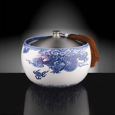 《龍騰海天》大青花罐