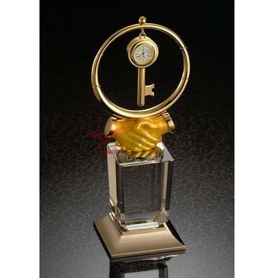 辦公桌擺件/帶鑰匙石英表攜手共贏獎杯