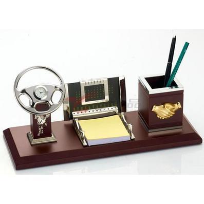 办公室摆件/多功能笔筒/带方向盘、便贴纸、日历