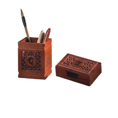 浮雕镂空笔筒 毛泽东诗词工艺笔筒