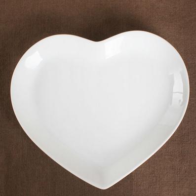 白瓷心形盘子骨碟水果盘小菜碟